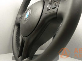 Перетянутый руль BMW 3-Series E46 2002 вид сбоку - 4