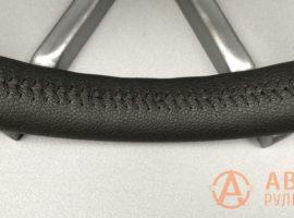 Шов ёлочка на перетянутом руле Honda Civic 9 поколение 2012 - 3