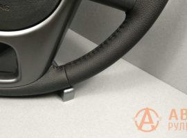 Шов ёлочка на перетянутом руле Kia Cerato 2 поколение (TD) 2011 - 2