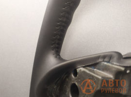 Шов ёлочка на перетянутом руле Mitsubishi Outlender 2 поколение рестайлинг 2011 - 1