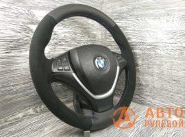 Перетянутый руль в кожу с алькантарой BMW X5 2 поколение (E70) 2007 вид сбоку - 1