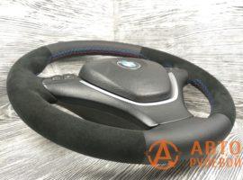Перетянутый руль в кожу с алькантарой BMW X5 2 поколение (E70) 2007 вид сбоку - 3
