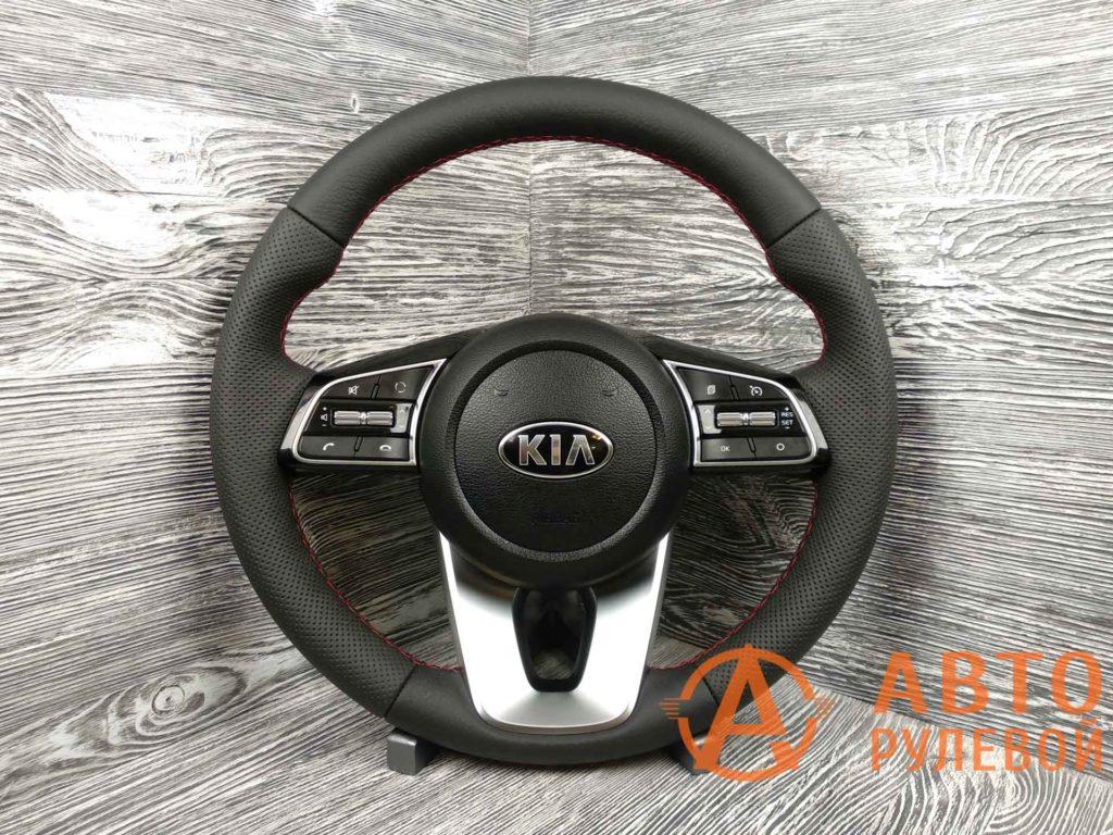 Перетянутый руль в кожу 2 Kia Cerato 4 поколение 2020