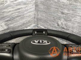 Перетянутый руль в кожу Kia Optima 3 поколение (TF) — рестайлинг 2014 вид сбоку - 2