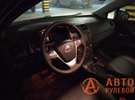 Перетянутый руль в кожу Toyota Avensis 3 поколение (T270) 2009 установлен на место