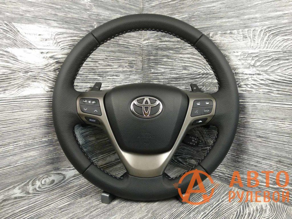 Перетянутый руль в кожу Toyota Avensis 3 поколение (T270) 2009